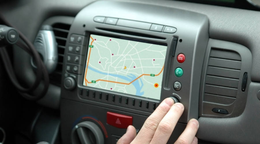 best gps device for car in india